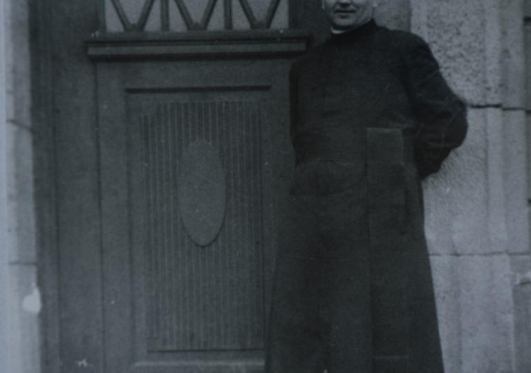O. Liguda jako kapelan w szkole urszulanek w Poznaniu